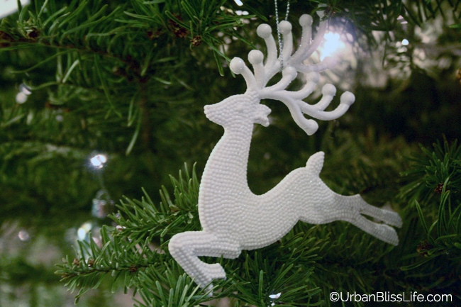 Gold Silver White Christmas - Reindeer