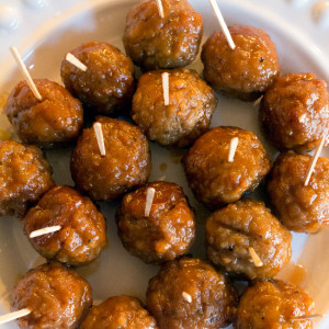 Honey Bourbon Meatballs recipe | UrbanBlissLife.com