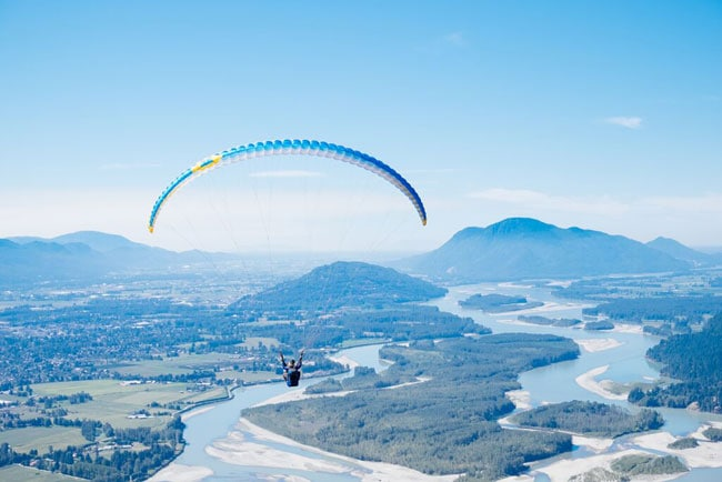 Travel Bliss: Paragliding Over the Fraser Valley + First Time Paragliding Tips!