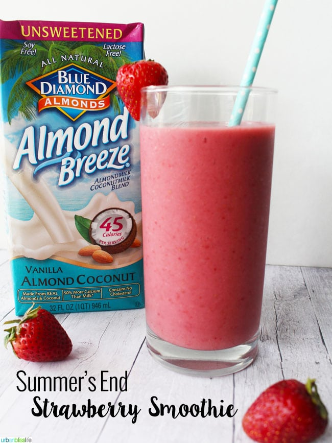 Strawberry Smoothie with almondmilk