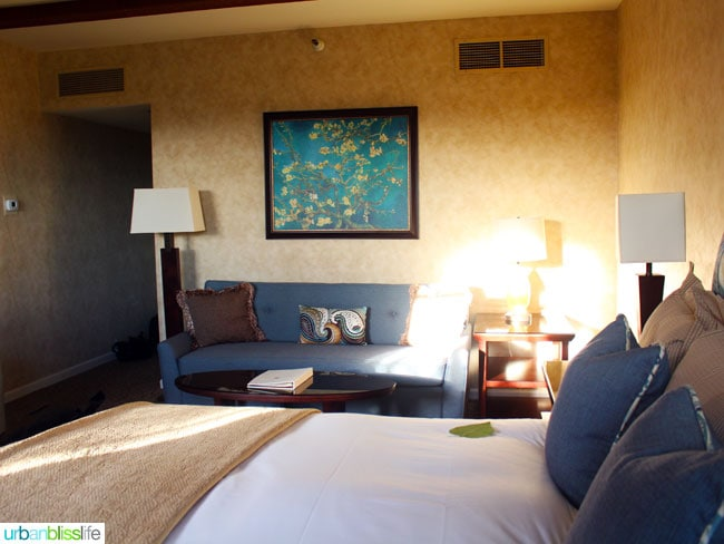 Vintners Inn king deluxe room