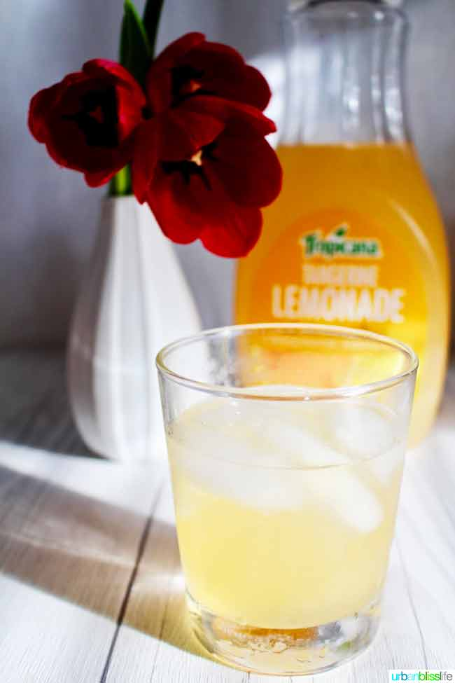 bourbon cocktail recipe with tangerine lemonade on UrbanBlissLife.com