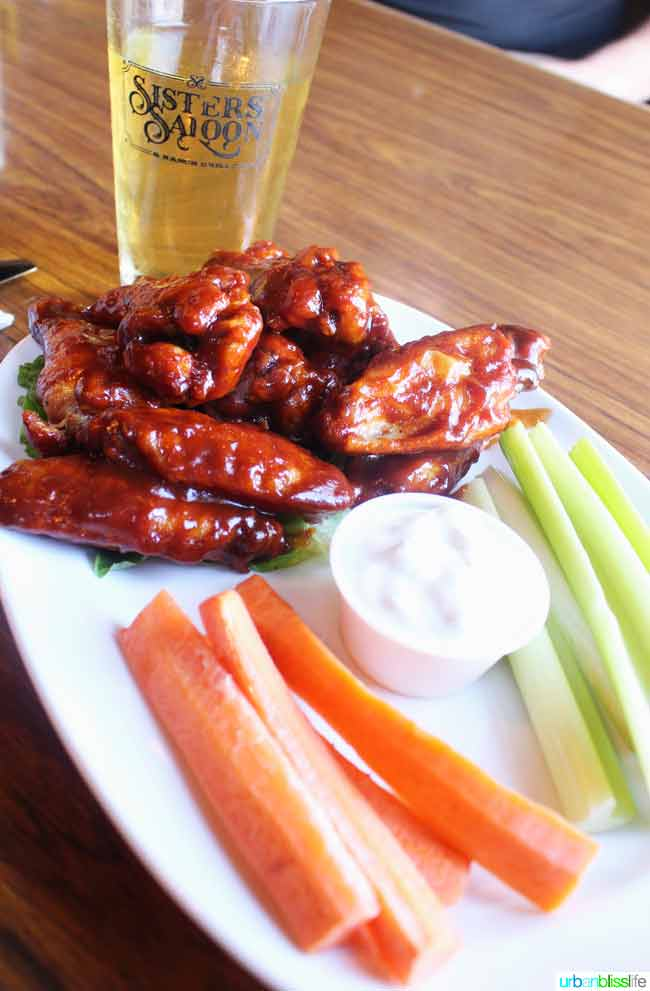chicken wings at Sisters Saloon