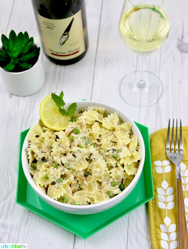 Creamy-Farfalle-with-Salmon-and-Peas-03