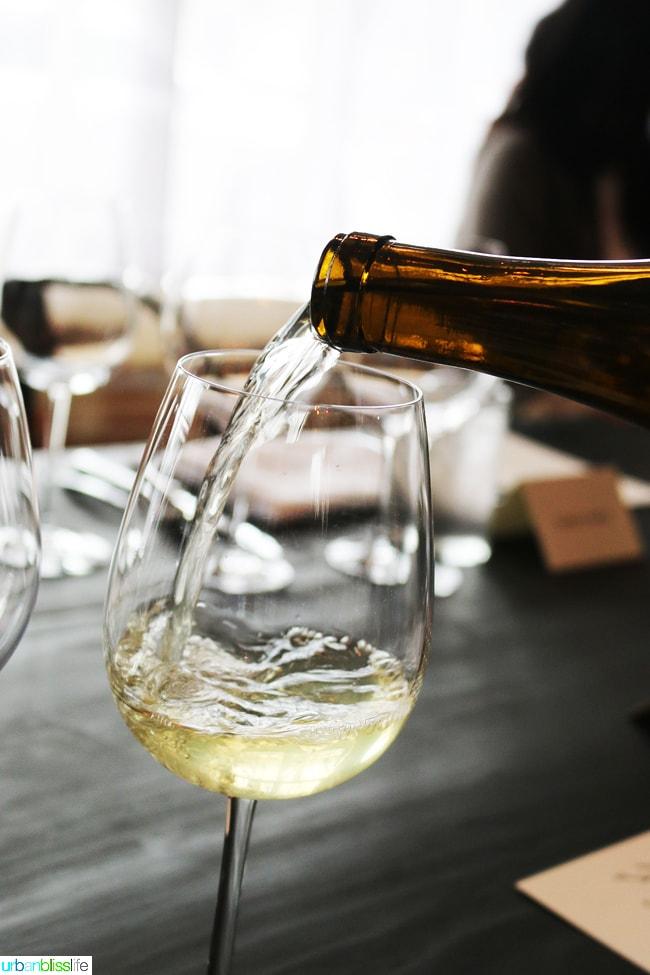white wine pour