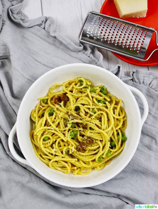 FOOD BLISS: Cooking with Turmeric and a Tasty Pasta with Turmeric, Bacon, and Peas Recipe