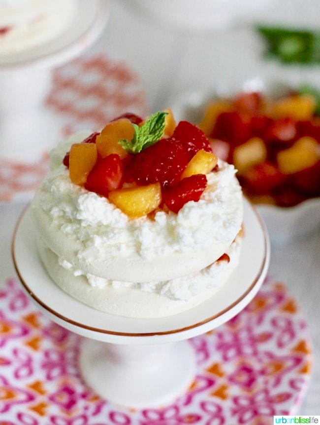 Mini Pavlova Cakes
