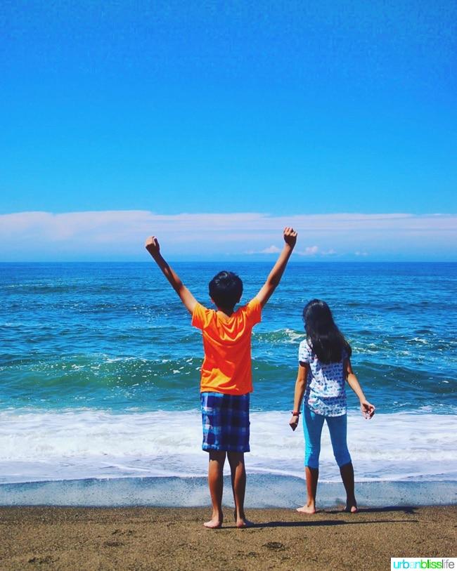 kids on pacific ocean beach