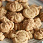 Maple Cinnamon Sugar Spritz Cookies recipe on UrbanBlissLife.com