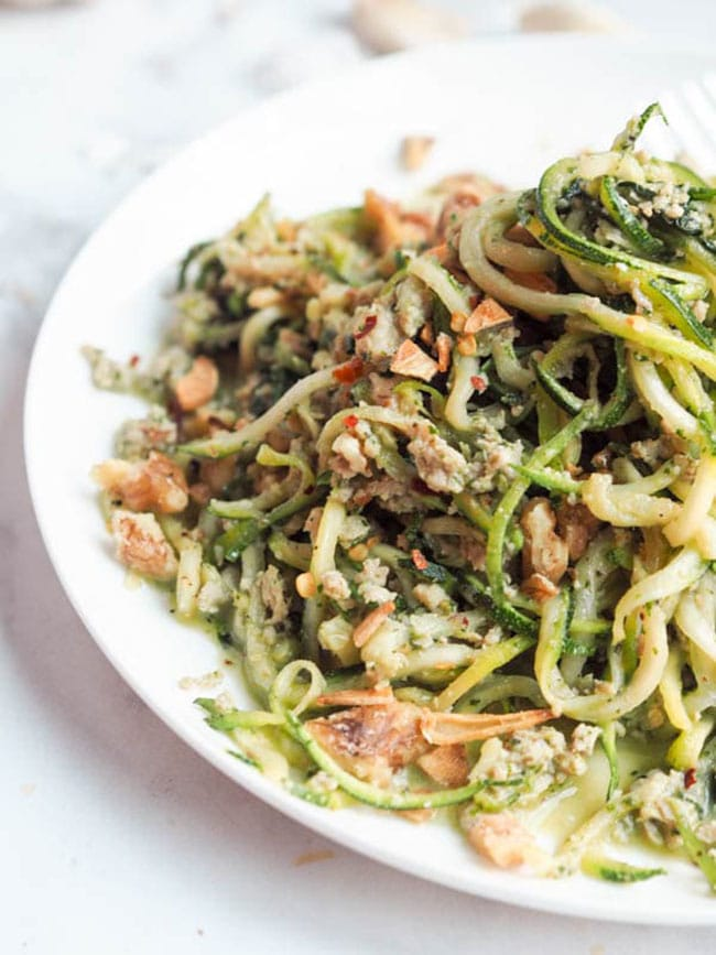 Zucchini noodles with pesto and chicken