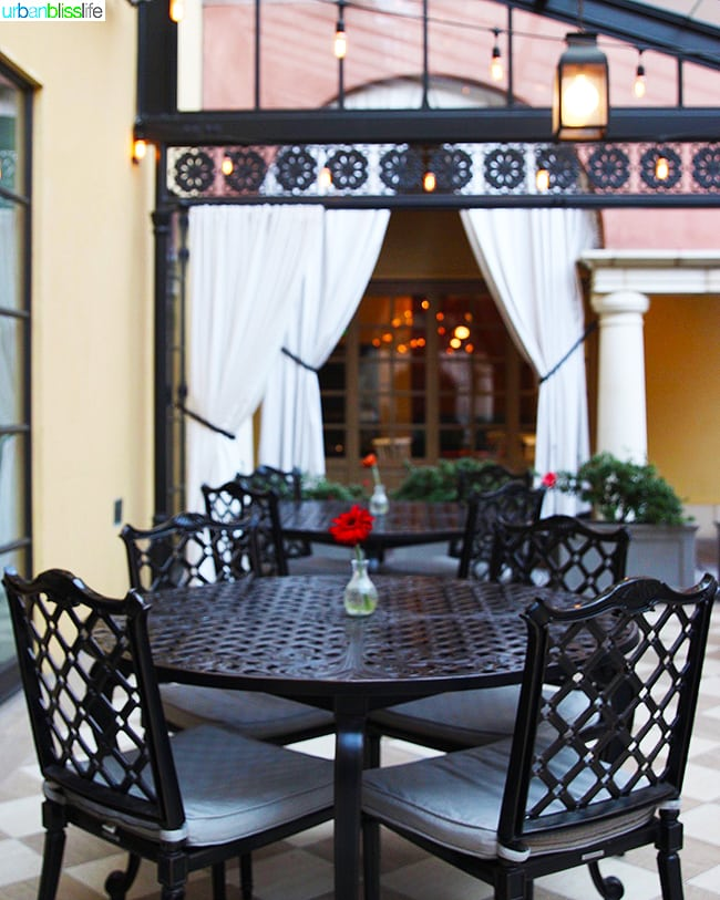 patio in Hotel Valencia Santana Row
