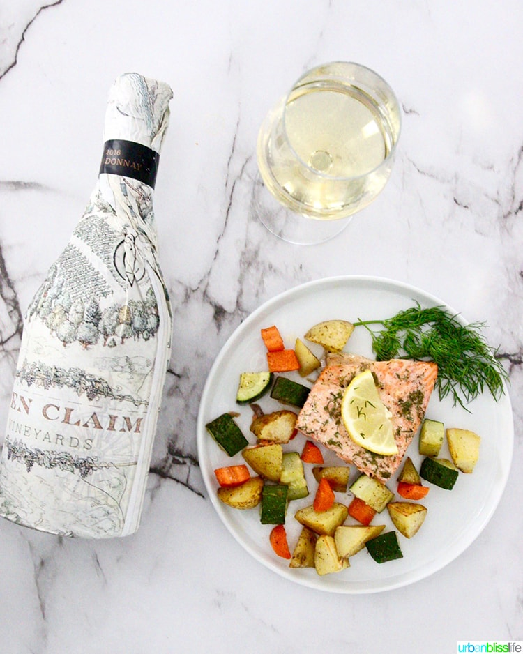 salmon with vegetables with wine