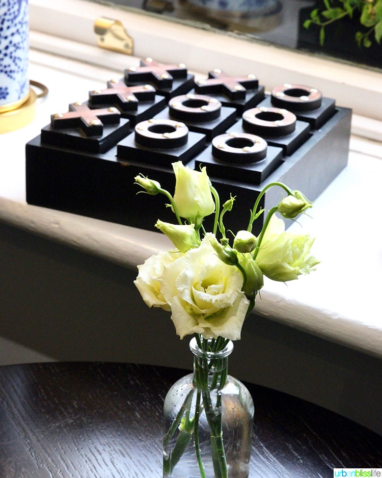 flowers and tic tac toe at Wilder Townhouse