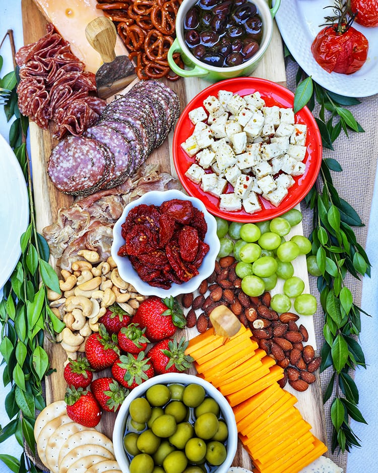 the ultimate fall grazing table/charcuterie board