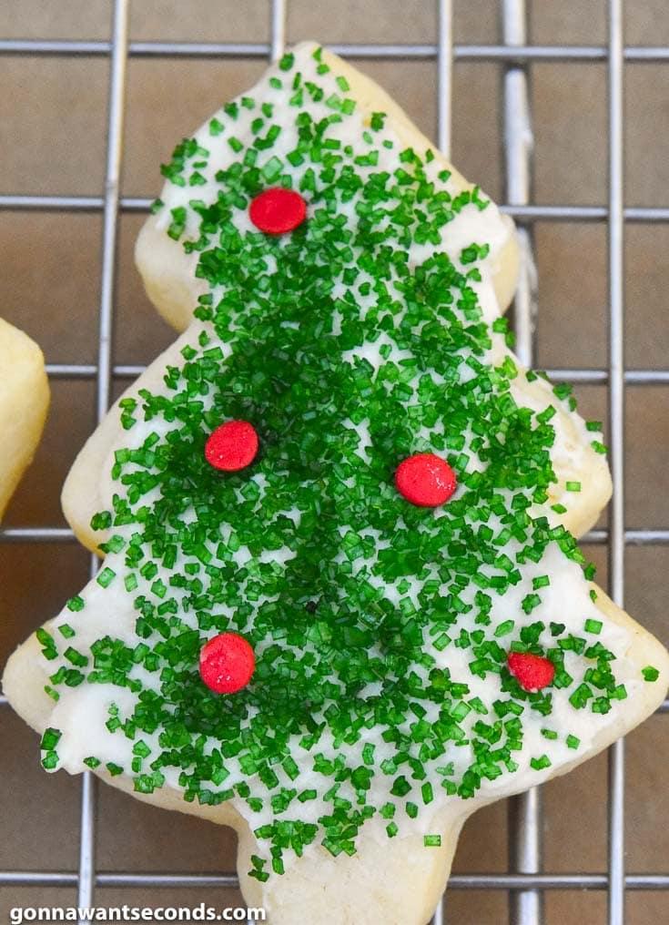 Christmas Sugar Cookies (Easy To Make!)