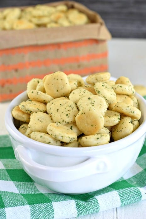 Ranch and Dill Oyster Cracker Snack